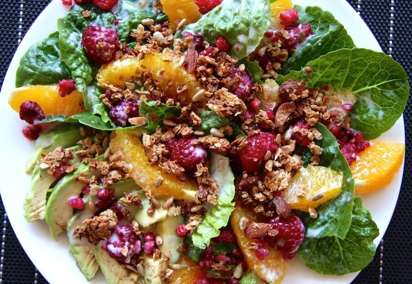 Rezept für einen Avocado-Zitrus-Salat mit Buttermilch-Dressing