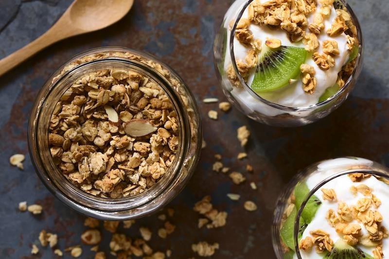 Zimt-Knuspermüsli ohne Zucker