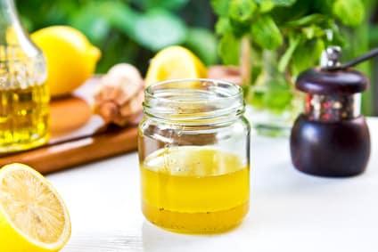 Rezept für ein Honig-Senf-Dressing ohne Zucker